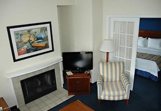 Two Bedroom Penthouse Living Area Picture Of Doral Inn Suites Miami Airport West Doral