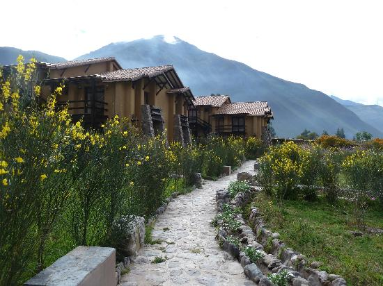 Tierra Viva Valle Sagrado Urubamba: The walk to the rooms