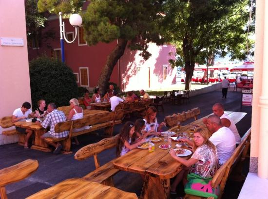 Biograd na Moru, Croatia: ausgezeichnete atmosphäre