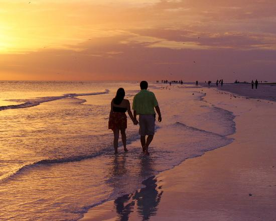 Siesta Beach: Sunset walk along Siesta Key Beach