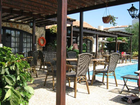 Anais Bay Hotel: Pool Bar