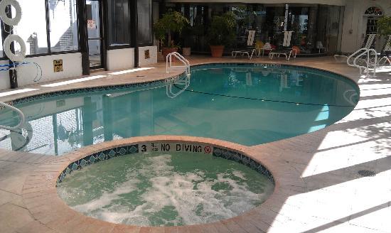 The Madison Hotel: Hot Tub