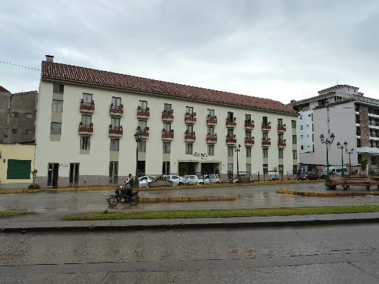 Eco Inn Cusco: Front of hotel