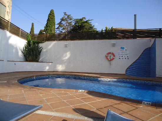 SM Hotels Turissa: La piscina dell'hotel