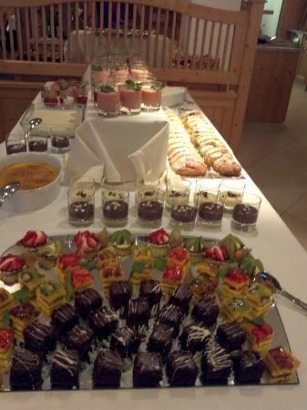 Hotel Innerhofer: Buffet di dolci a cena