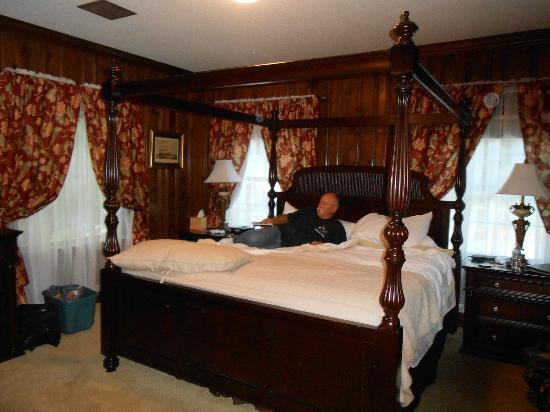 Christopher Place Resort: Sir Charles Room/Suite