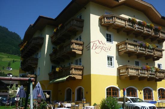 Hotel Bergzeit: hotel