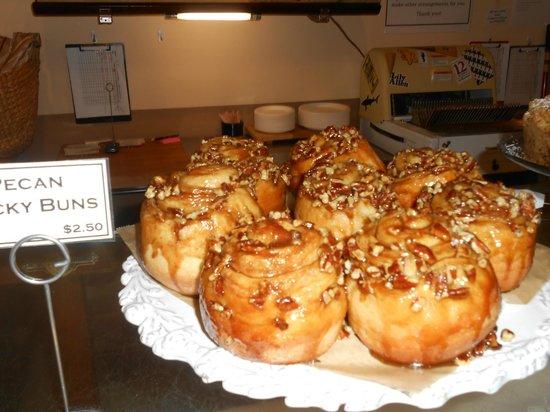 Underground Baking Co. : Pecan sticky buns