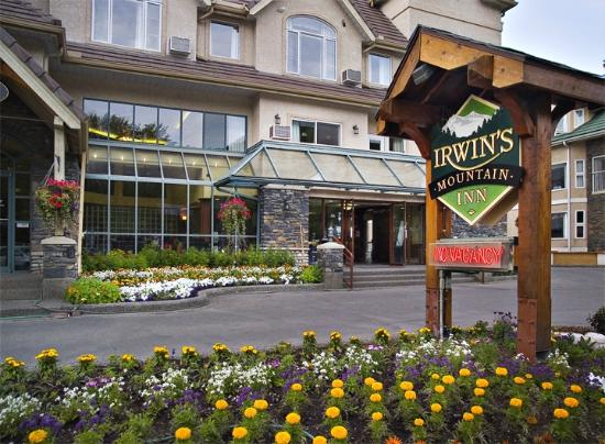 Beautiful Front Entrance of the Irwin's Mountain Inn