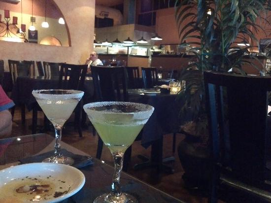 Blondies' Bistro: Great ambiance, interesting martinis