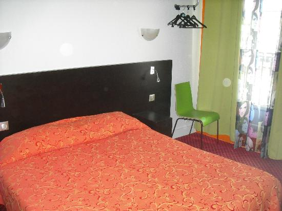 Le Regent Hostel: double room