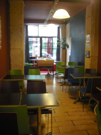 Le Regent Hostel: common room