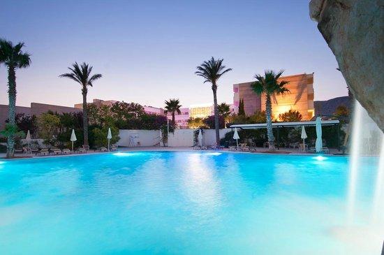 Regiohotel Manfredi: Hotel and swimming pool