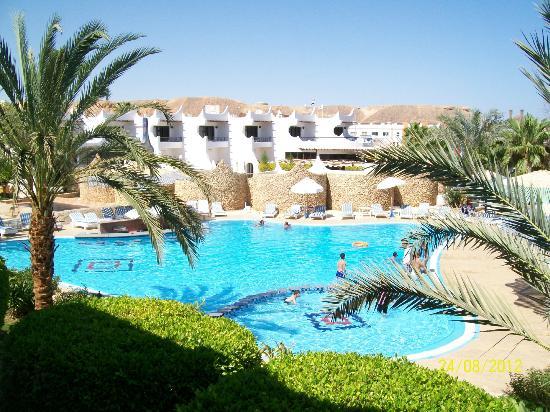 Turquoise Beach Hotel: POOL
