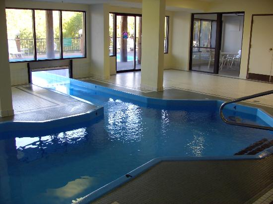 The Pine Lodge on Whitefish River: Indoor pool & tunnel swimway to outdoor pool