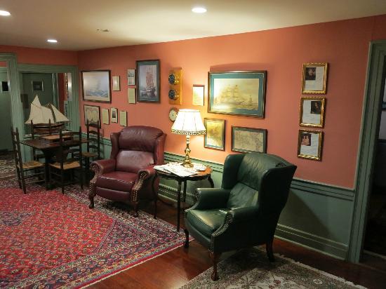 The Old Manse Inn: Aufenthaltsraum
