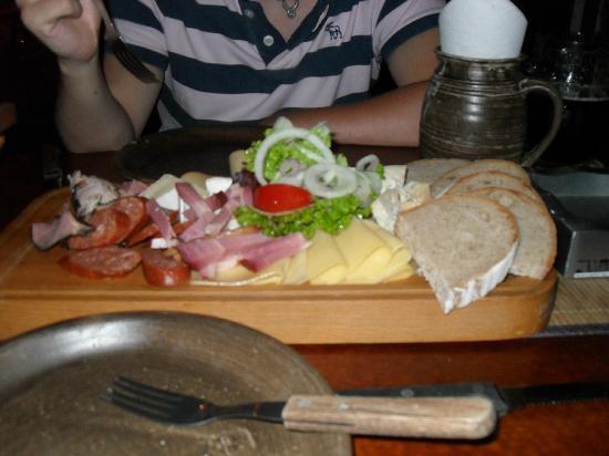 Staroceska Krcma: Starter - Czech meat & cheese platter