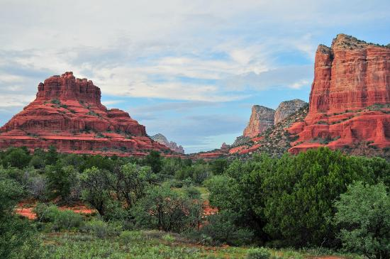 Canyon Villa Bed and Breakfast Inn of Sedona: View from Octotillo room at sunset