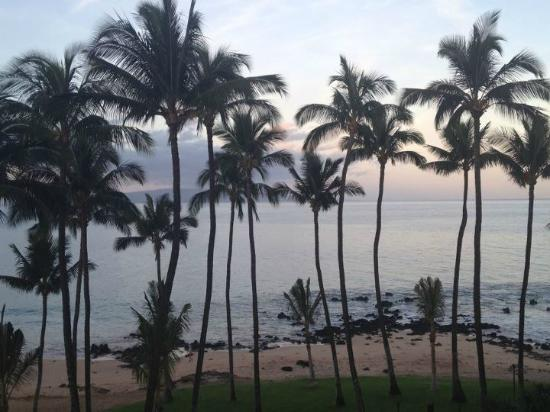 Mana Kai Maui: 5:30 am view from room.