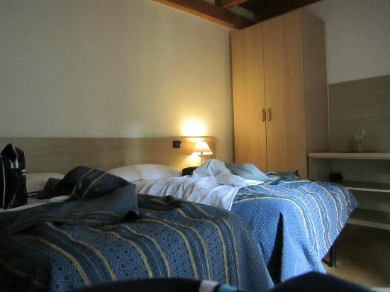 Arena Inn B&B : We had a double room with twin beds
