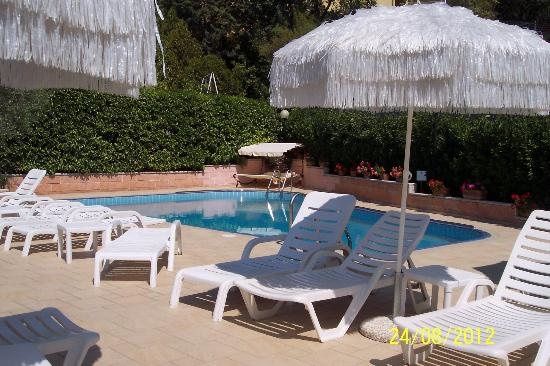 Viole Country Hotel : piscina