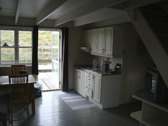 Nyvagar Rorbuhotel: cucina e sala