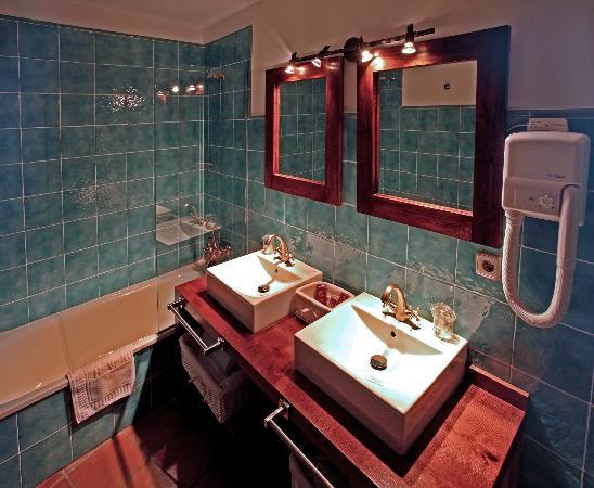 Hotel Spa Villa de Mogarraz: Baño