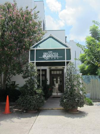 Prytania Park: Entrance to the lobby