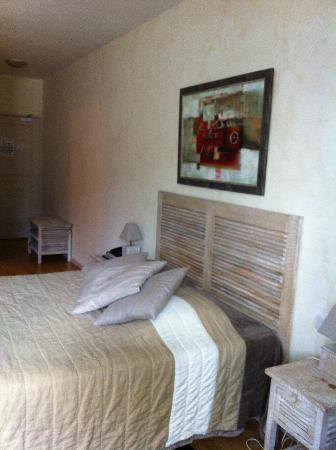 Domaine de la Courbe : Gorgeous bed, very comfortable