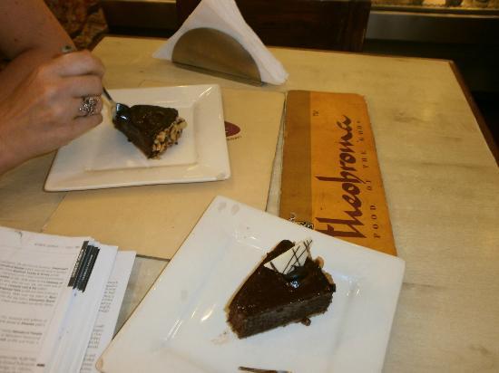 Theobroma : Yummy chocolate cakes