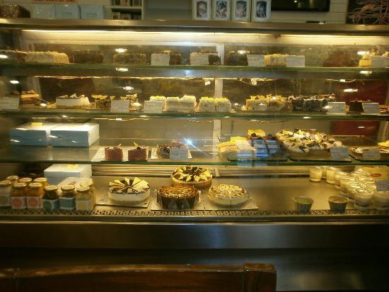 Theobroma : Fresh and tasty cakes