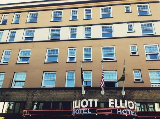 Hotel Elliott: hotel front