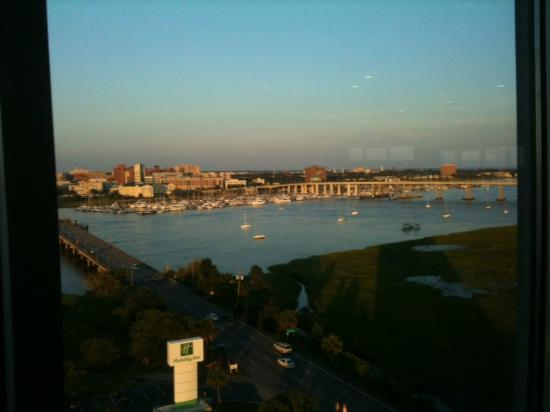 Holiday Inn Charleston Riverview: Just before sunset from the restaurant