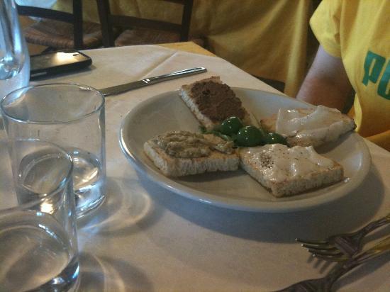 Antico Molino D'Orcia: Antipasto di crostini