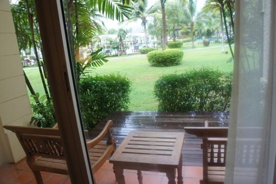 Sofitel Krabi Phokeethra Golf & Spa Resort: a little sit out