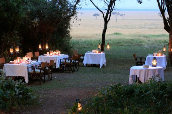 andBeyond Bateleur Camp: Beautiful outdoor dining where you can watch the wildlife