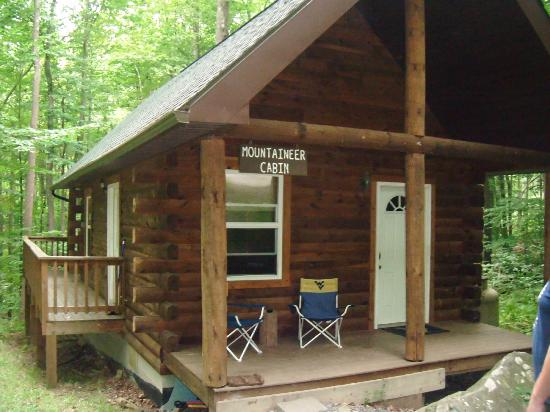 Front of cabin - Picture of Mountain Creek Cabins, Bruceton