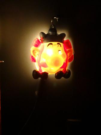 Mama Shelter Paris: Obelix lampshade!