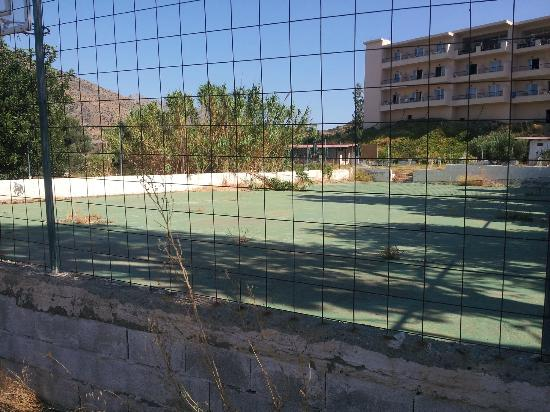 Hotel Villa Maxine : terrain de tennis