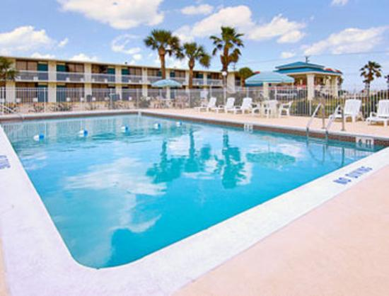 Americas Best Value Inn - Satellite Beach / Melbourne: Pool