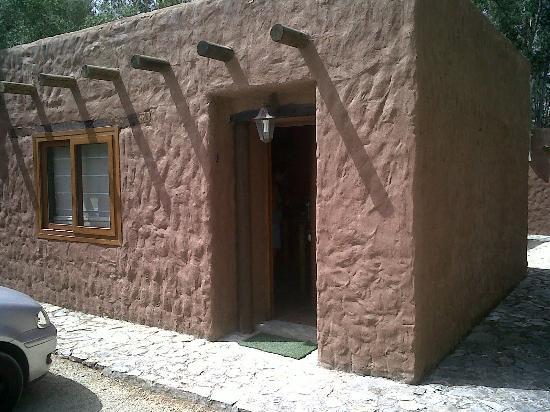 Vigas de madera en techos picture of tikal boungalows - Vigas de madera para techos ...