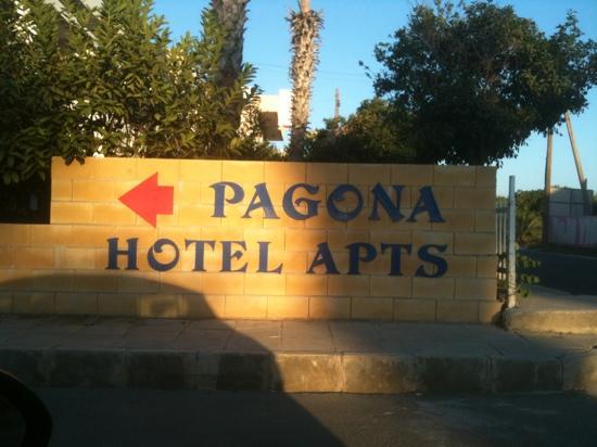 Pagona Hotel Apartments: Entrata