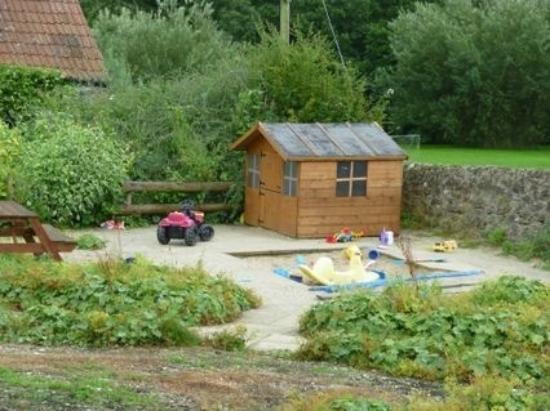 Rudge Farm Cottages: play area