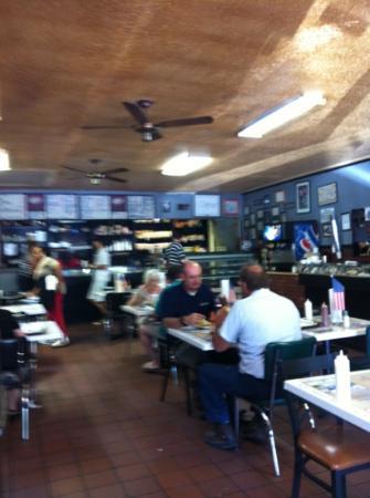 Miss myra 39 s bbq foto van miss myra 39 s pit bar b q cahaba for Food bar in cahaba heights