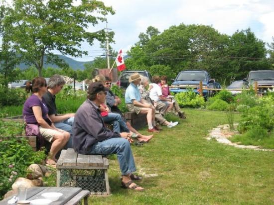North Highlands Community Museum: Visitors enjoying the Settlers' Garden