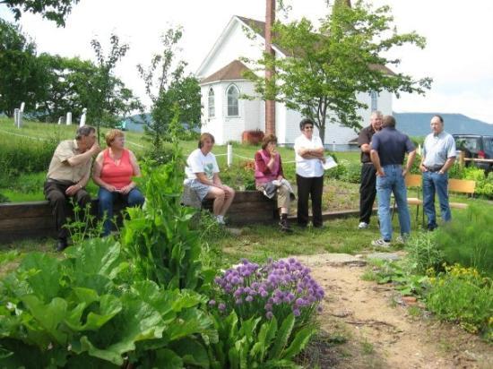 North Highlands Community Museum: Enjoying the Settlers' Garden