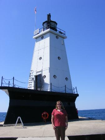 Stearns Park : The North Breakwater Lighthouse