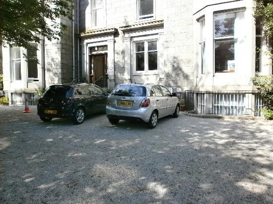 Aberdeen Youth Hostel: Parcheggio