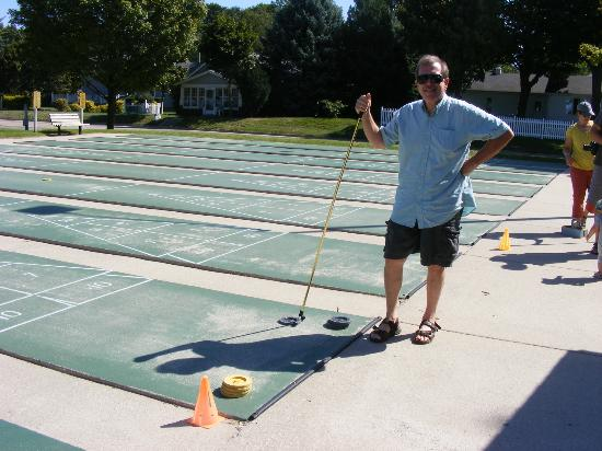 Stearns Park : Shuffleboard for $1 - as long as you want to play!