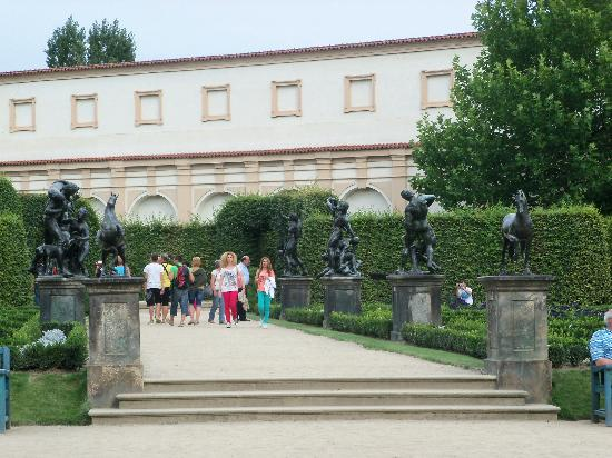 Galer a del jard n picture of wallenstein palace gardens for Jardines wallenstein